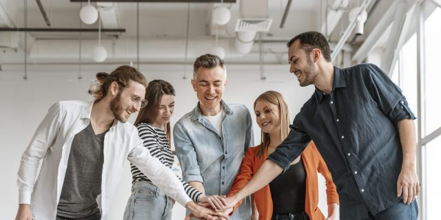 businesspeople-meeting-office-hand-shake